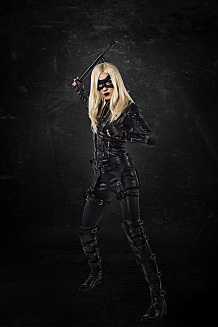 "Arrow -- ""Left Behind"" -- Image AR310a_BTS_1335 -- Pictured: Katie Cassidy as Black Canary -- Photo: Ed Araquel/The CW -- © 2014 The CW Network, LLC. All Rights Reserved"