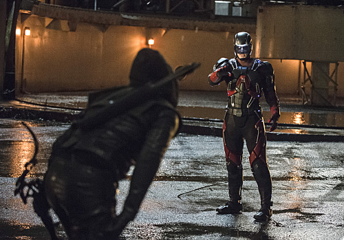 "Arrow -- ""Suicidal Tendencies"" -- Image AR317B_0296b -- Pictured (L-R): Stephen Amell as Oliver Queen / The Arrow and Brandon Routh as Ray Palmer / The Atom -- Photo: Cate Cameron/The CW -- �© 2015 The CW Network, LLC. All Rights Reserved."