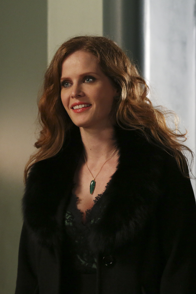 Once Upon A Time Season 4 Episode 8 Live Stream: Will Emma Get Rid of Her  Magic in 'Smash the Mirror'?