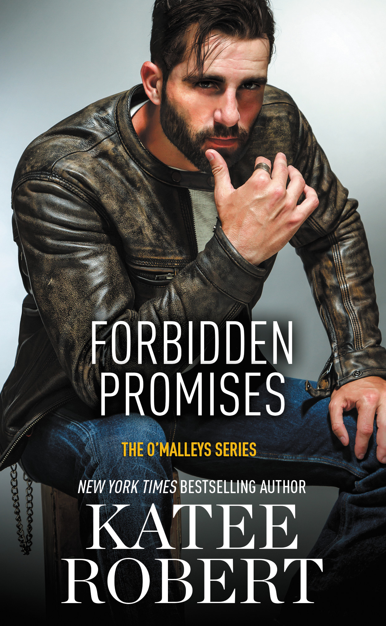 SPOTLIGHT/GIVEAWAY: 'Forbidden Promises' by Katee Robert