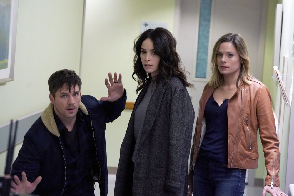 "RECAP: 'Timeless' Season 2, Episode 5 ""The Kennedy Curse"""