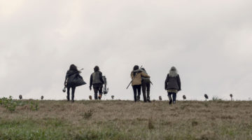 """REVIEW: 'The Walking Dead' Season 9, Episode 15 """"The Calm Before"""""""